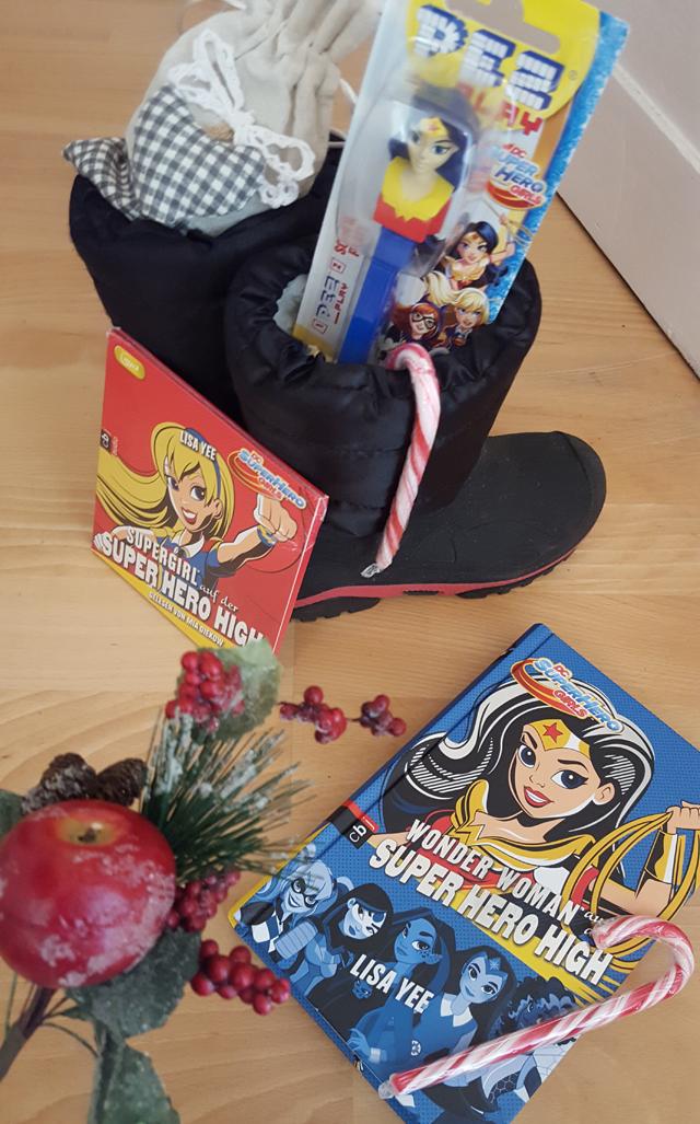 weihnachtliche geschenkideen dc super hero girls. Black Bedroom Furniture Sets. Home Design Ideas