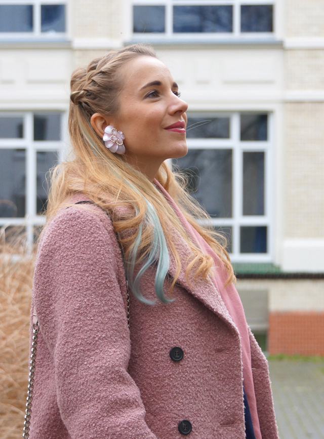 Outfit Pastell Extensions & Rosa Mantel 05