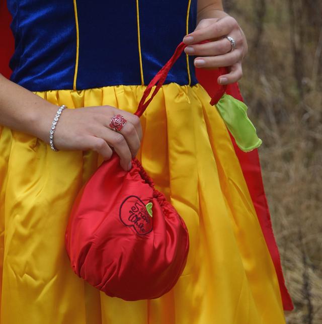 Schneewittchen Snow White Kostüm 04