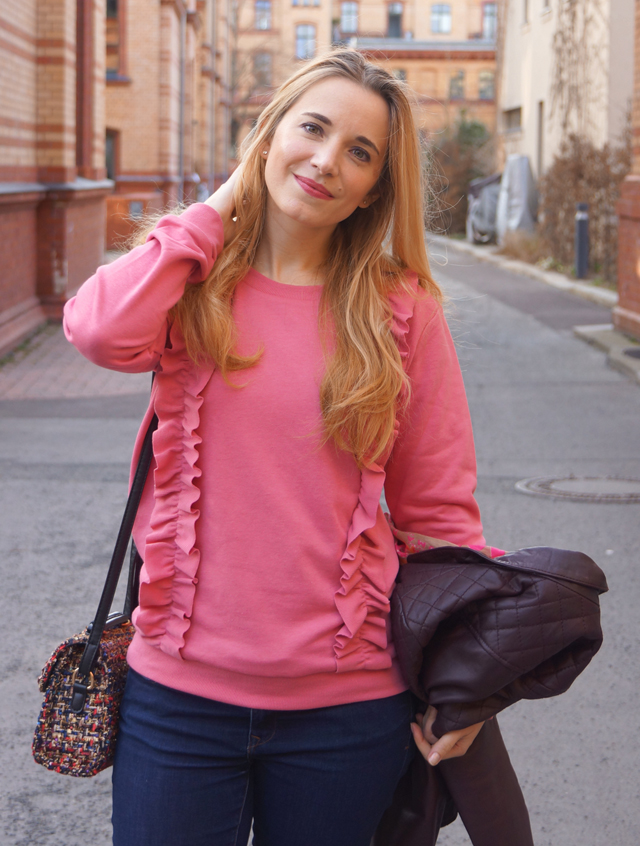 Outfit Rüschenpullover Rosa 04