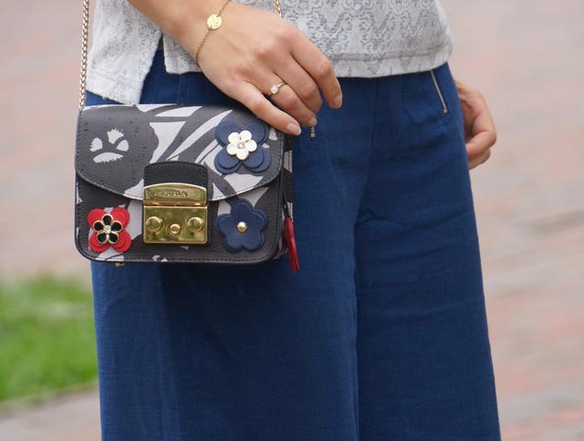 Outfit Blaue Culotte & Furla Tasche 03
