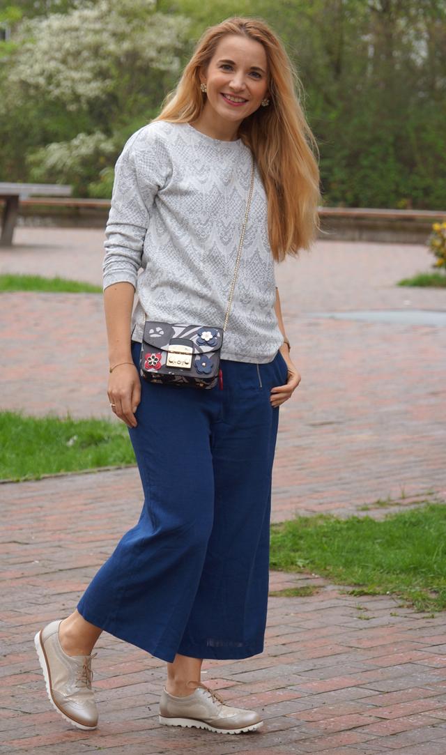 Outfit Blaue Culotte & Furla Tasche 07