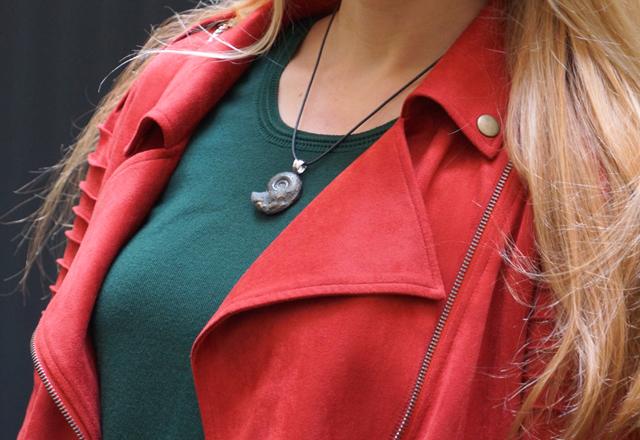 Outfit StoneTrip Mineral Schmuckstück Halskette 05