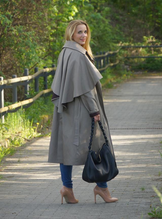 Outfit Eva Green Trenchcoat mit Seitencape 09