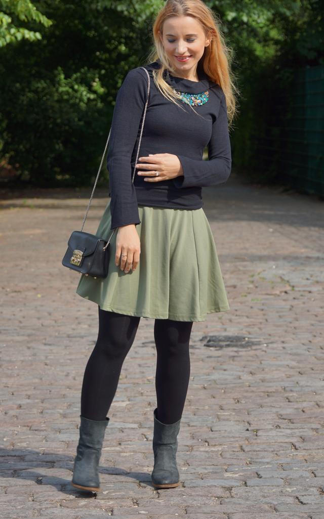 Outfit Goldiger Bienen-Schmuck Bienenkette 08
