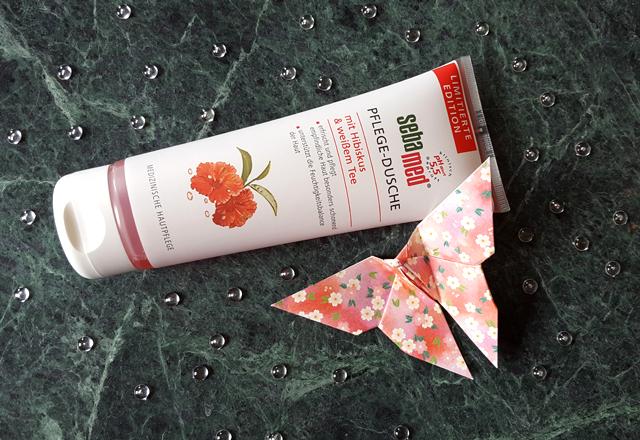 sebamed Pflege-Dusche mit Hibiskus und weißem Tee