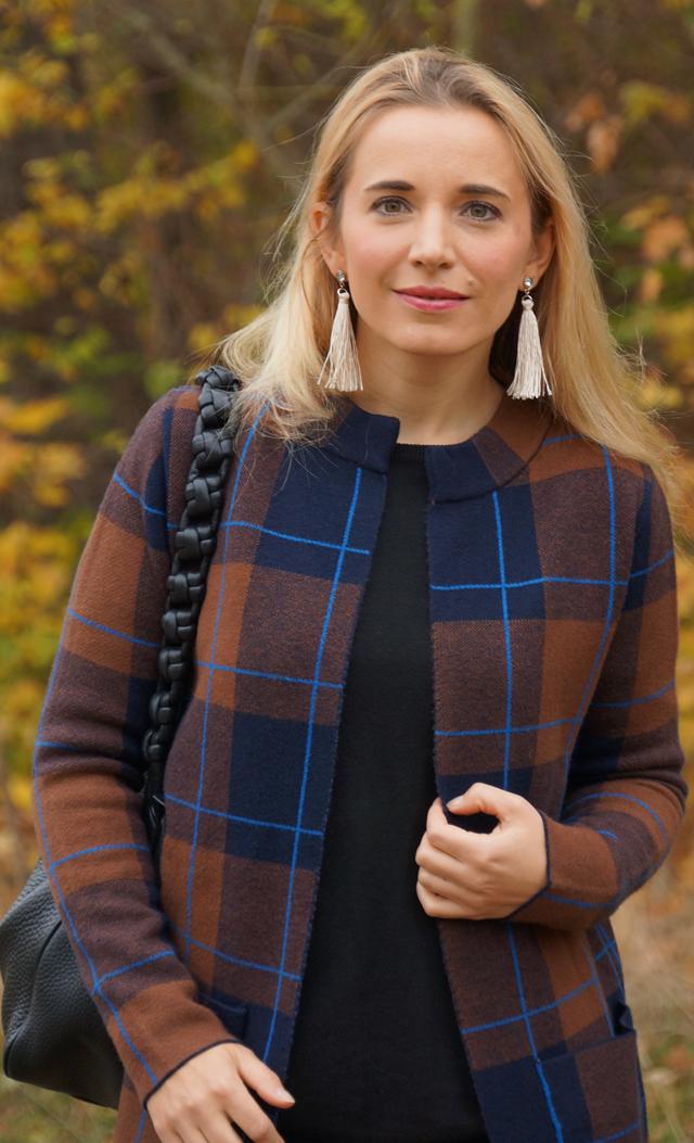 Outfit Herbstlook mit blauen Schuhen 02