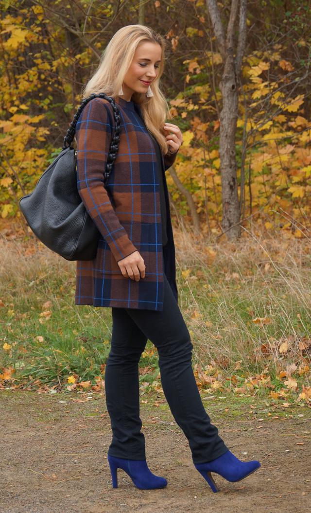 Outfit Herbstlook mit blauen Schuhen 06