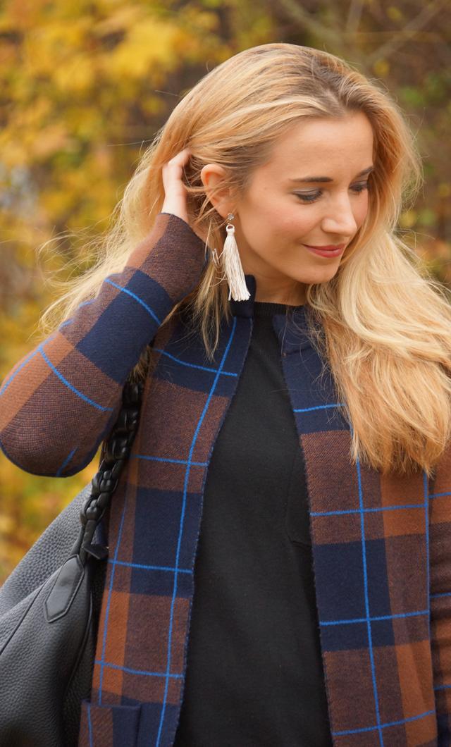 Outfit Herbstlook mit blauen Schuhen 07