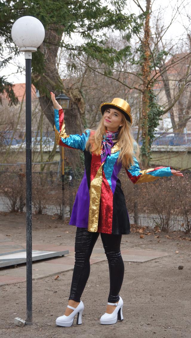 Karneval-Pailletten-Marie 08