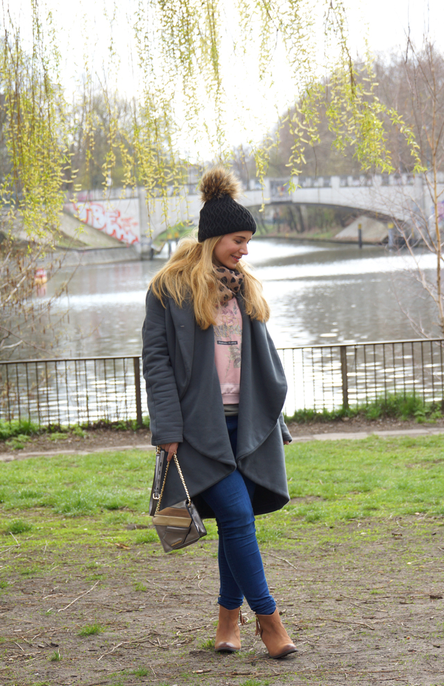 Outfit Cosy Oversize Mantel 05