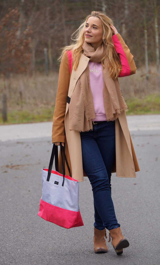 Trenchcoat & Shopper mit Pink 04
