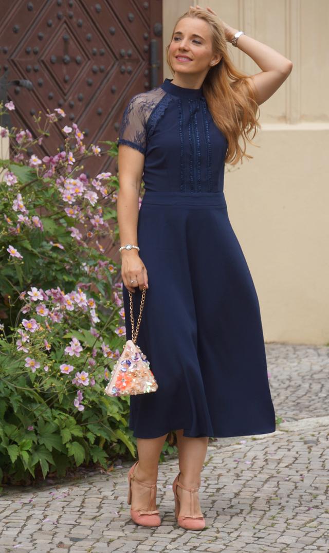 Outfit Blaues Abendkleid 02