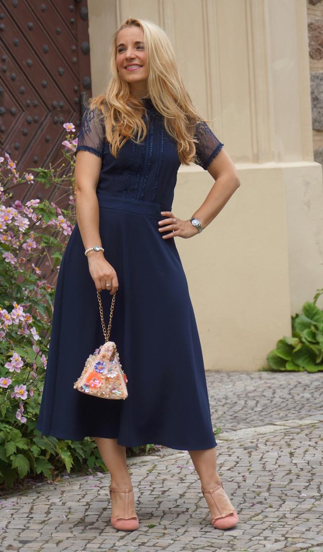 Outfit Blaues Abendkleid 03