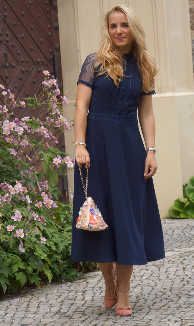 Outfit Blaues Abendkleid 08