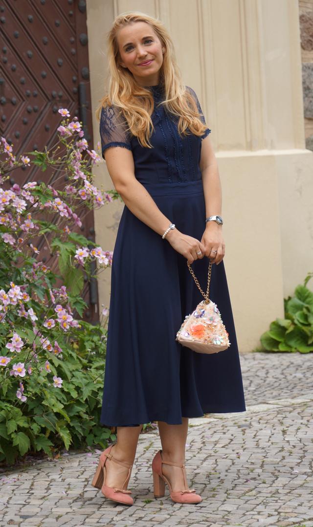 Outfit Blaues Abendkleid 10