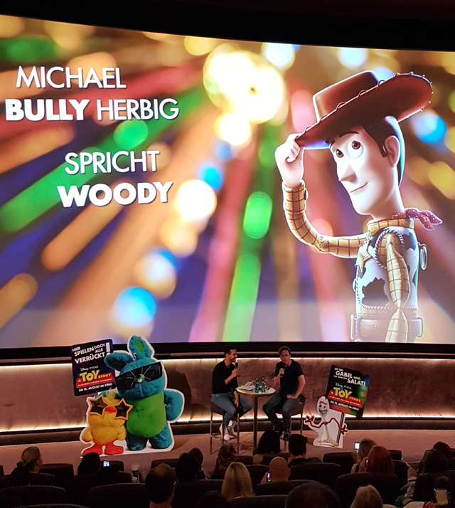Michael Bully Herbig spricht Woody in Berlin 02