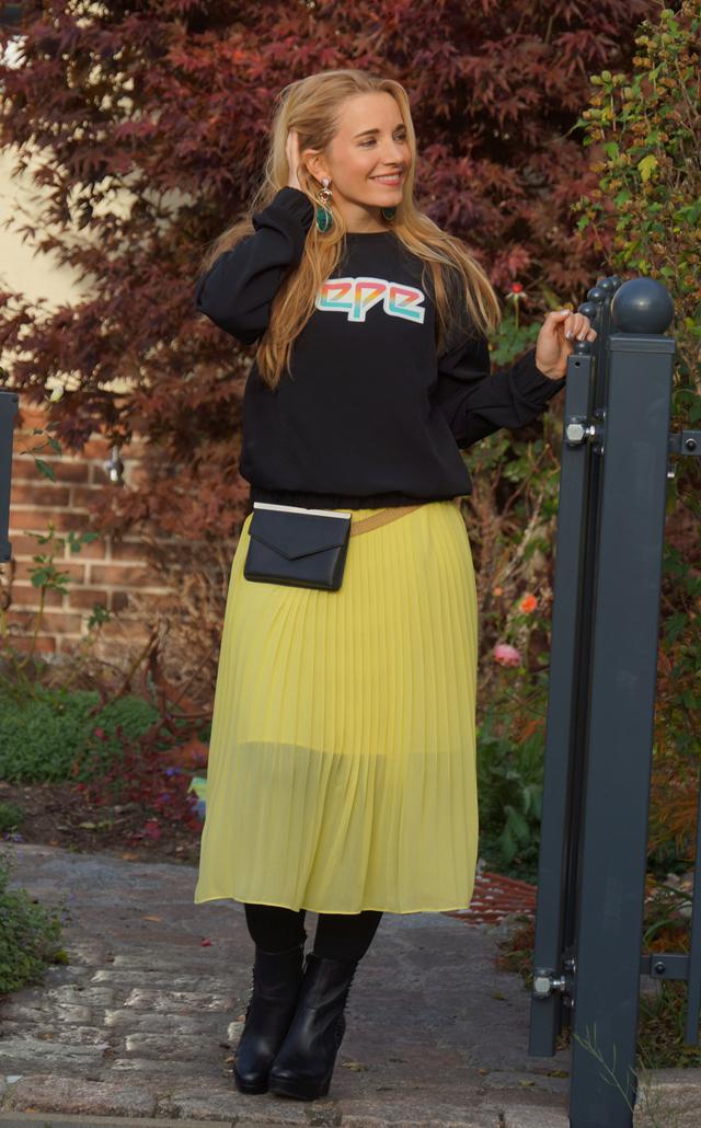 Outfit Pepe-Oberteil und Bauchtasche 07
